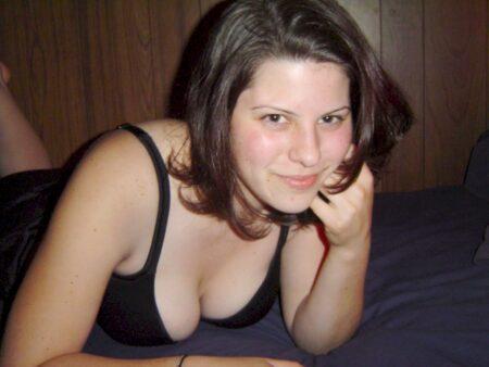 coquine sexy très mignonne cherche un gars tranquille