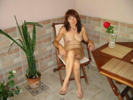 Femme cougar dominatrice pour mec qui aime la soumission