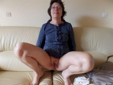Femme mature docile pour gars séduisant fréquemment libre